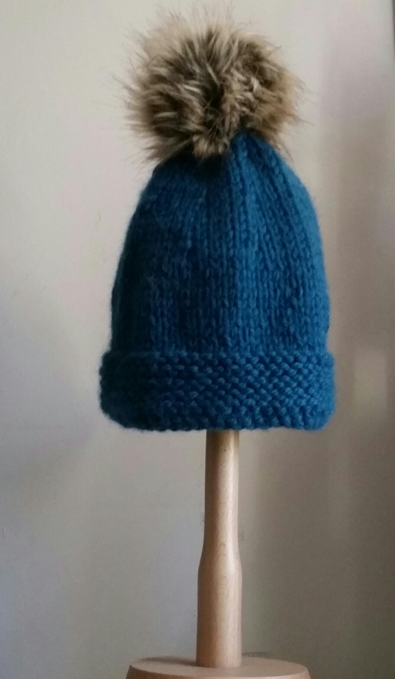 Beginner Bobble Hat Knitting Pattern : Beginners Learn Knitting Kit - Faux Fur Bobble Hat